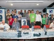 שחמט סימולטני מול רב אומן בכרמיאל